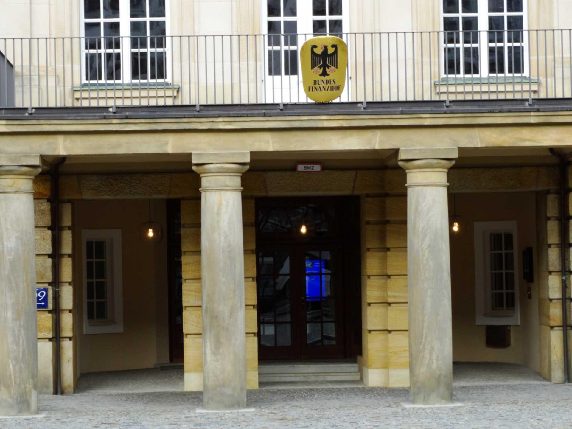 Besucherführungen beim Bundestag – als umsatzsteuerfreie Unterrichtsleistungen