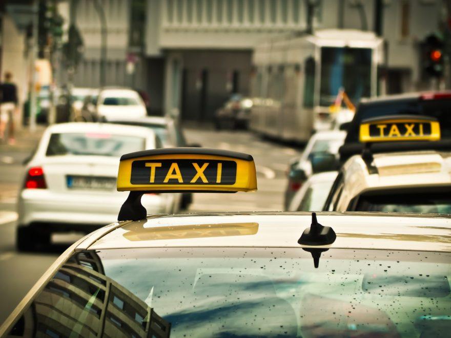 Übertragung der Taxikonzessionen eines unzuverlässigen Inhabers
